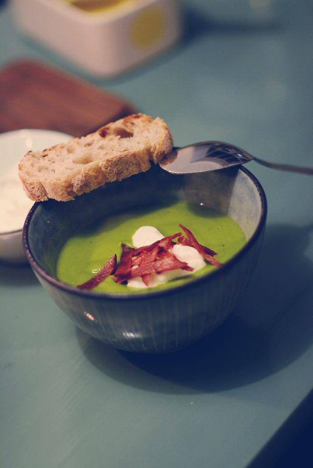 Nem grønærtesuppe med broccoli