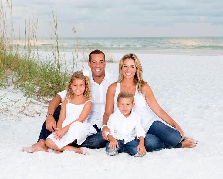 Family Beach Portrait Gallery   Stephanie Dubsky Photography – Julie Katerski