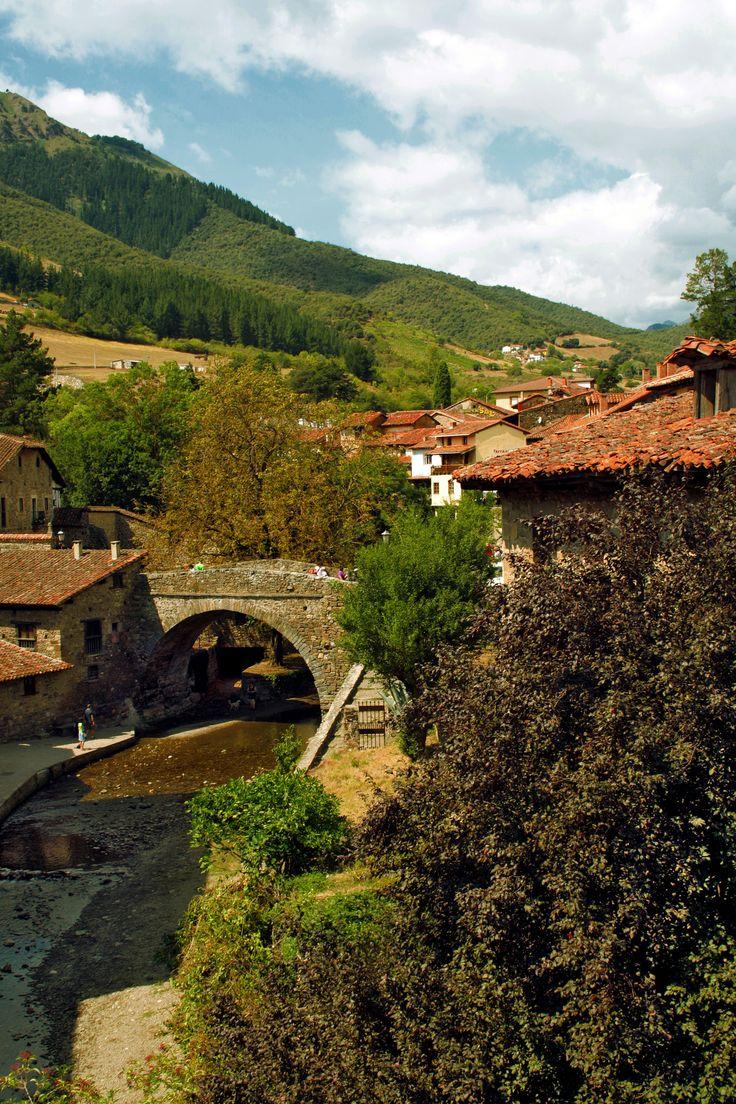 Potes, Cantabria https://www.flickr.com/photos/jurulina/shares/0YJ2V6 | Las fotos de majarenas