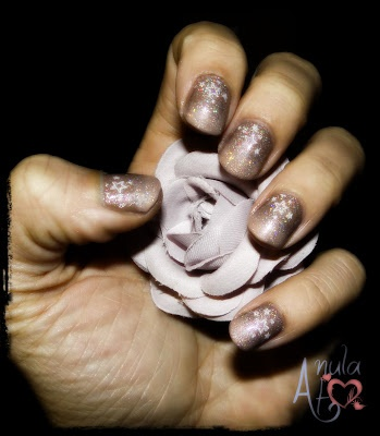 Brown mani with stars