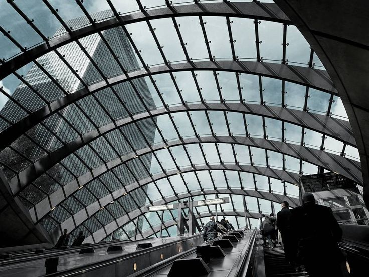 """107 Likes, 2 Comments - Gabriella Buzas (@epicstreetstyle) on Instagram: """"A hundred first glimpses 🏢 . ."""" Canary Wharf London city view buildings modern architecture lovelondon"""