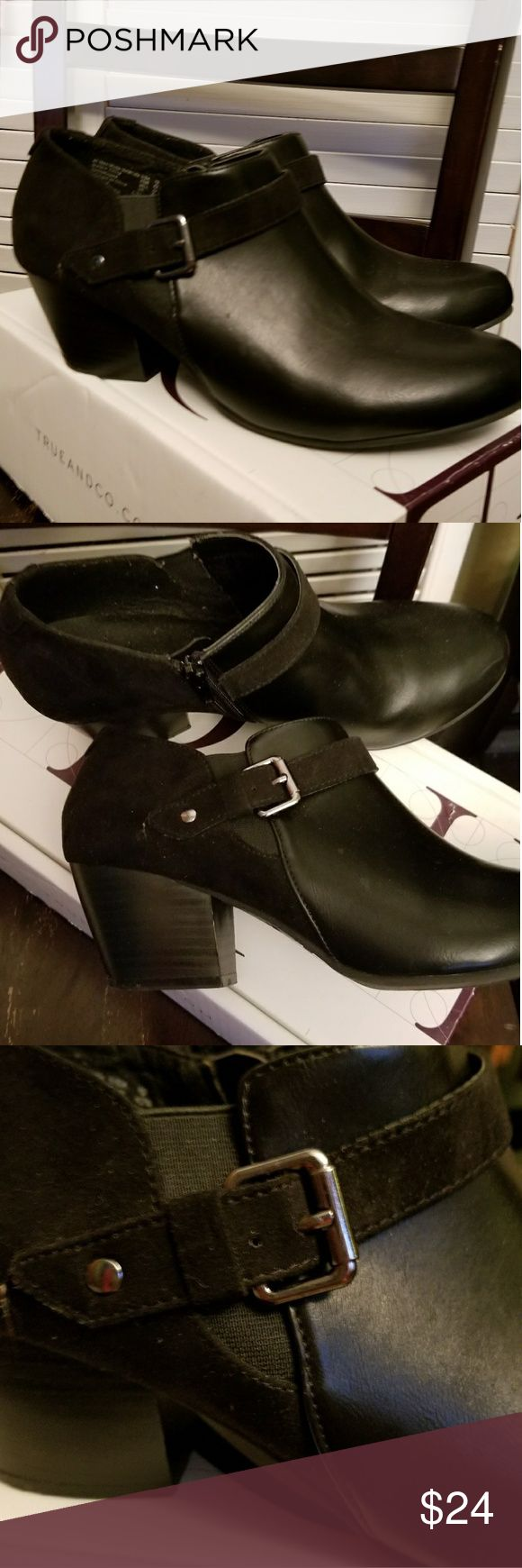 SALE 🍭 American Eagle black suede & vegan booties GUC Ladies sz 10 black American Eagle booties suede/ vegan leather (man made). See photos for few scuffs at toe. Only worn twice. American Eagle By Payless Shoes Ankle Boots & Booties
