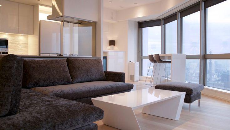 ソファーとカウンターのハイチェアはセミオーダーで椅子張り生地を統一しました