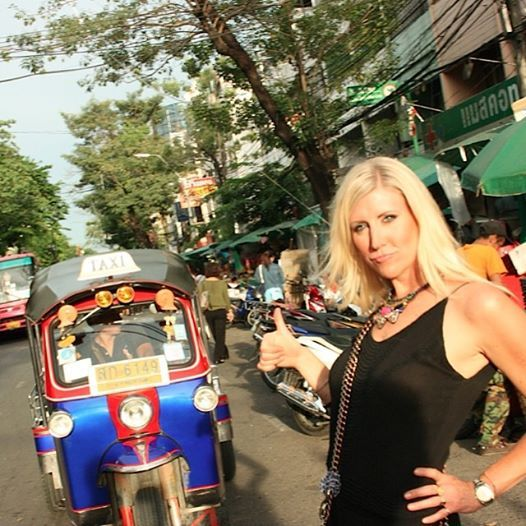 Learning to hail a #tuk #tuk in #Thailand