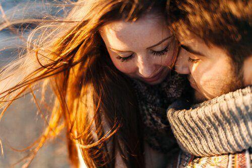 Se date amore, è probabile che riceverete amore. Noi esseri umani tendiamo a comportarci come uno specchio quando si tratta degli scambi, anche di emozioni.
