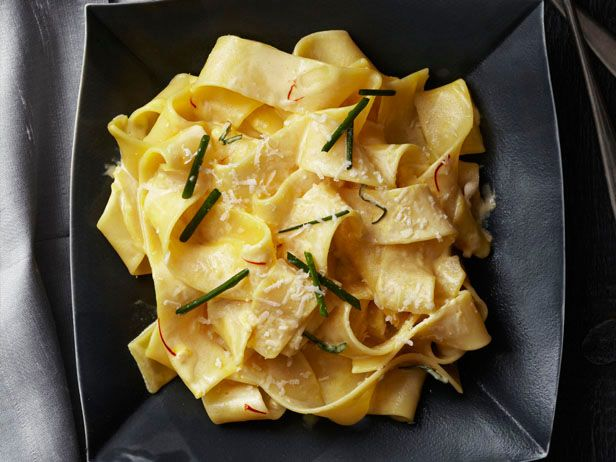 Pappardelle in Saffron Cream : Saffron threads, vanilla extract and fresh lemon juice turn this easy pasta dish into a decadent appetizer for two.
