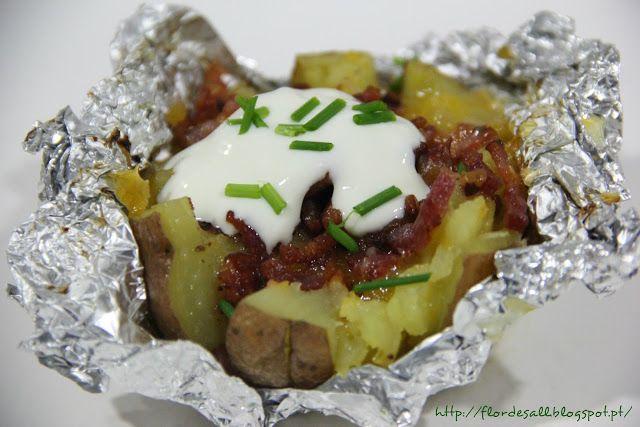 Flor de Sal: Batatas recheadas com bacon e cheddar … com toppin...