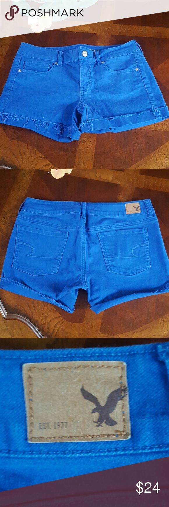 American Eagle cobalt blue shorts! This is a great pair of cutoff cuffed cobalt blue stretch denim shorts in a size 10! American Eagle Outfitters Shorts