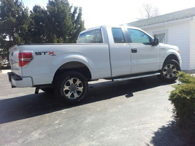 2013 Ford F150 STX 4x4 super cab.....