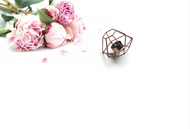 Chic, styled stock foto met roze pioenen en kaars rose gold. door StashCreativeGoods op Etsy