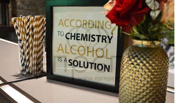 #christmaswedding #alcoholbar
