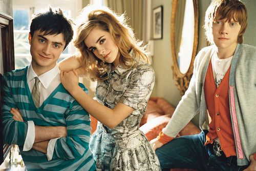 I have always like this picture of the three of them.  Love that color on Dan, Emma's hair is pretty, and Rupert looks intense.