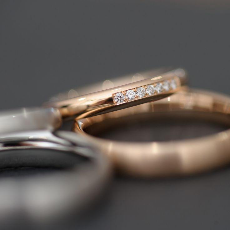 Individuelle Verlobungs- und Hochzeitsringe selbst schmieden bei Runde Ringe | creme münchen