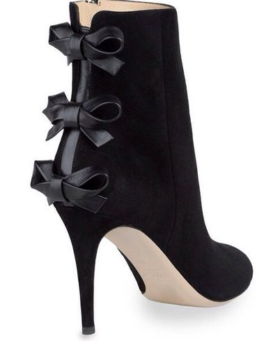 Valentino  Seguici diventa nostra fan ed entrerai nel mondo fantastico del Glamour  Shoe shoes scarpe fashion chic luxury street style moda donna
