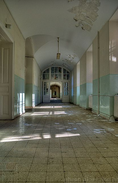 OPNI - The light corridor | abandoned Hospital
