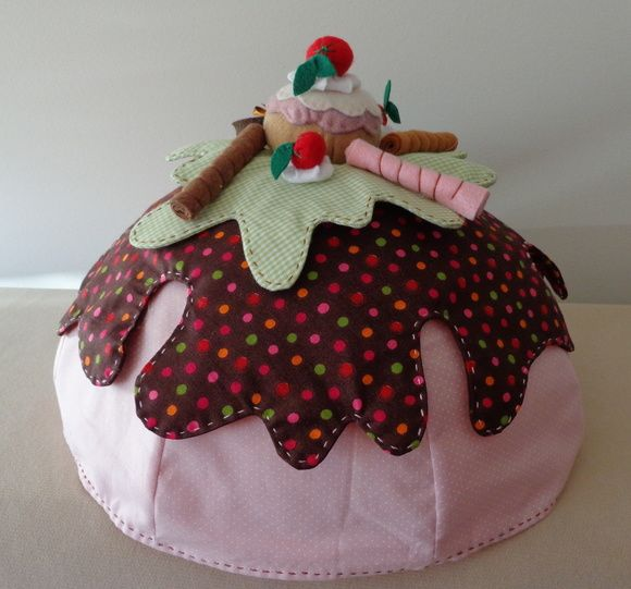 bolo confeccionado em tecido 100% algodão.  Peça pronta ou apostila.