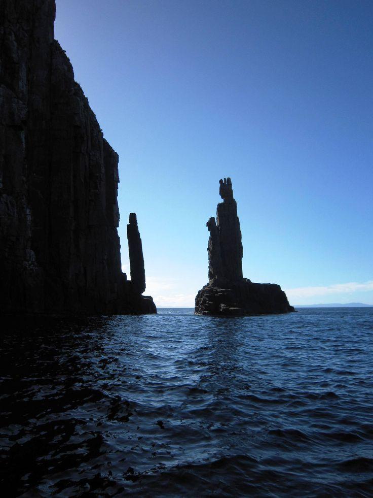 Cathedral Rock off Bruny Island, #Tasmania - #Australia - #travel