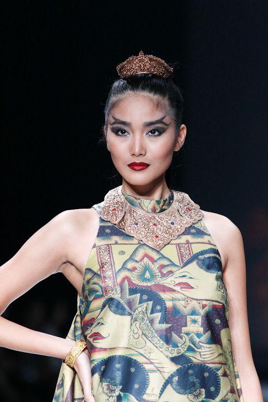 jakarta fashion week images | Ghea Panggabean Spring 2013 Jakarta Fashion Week | modern glossy