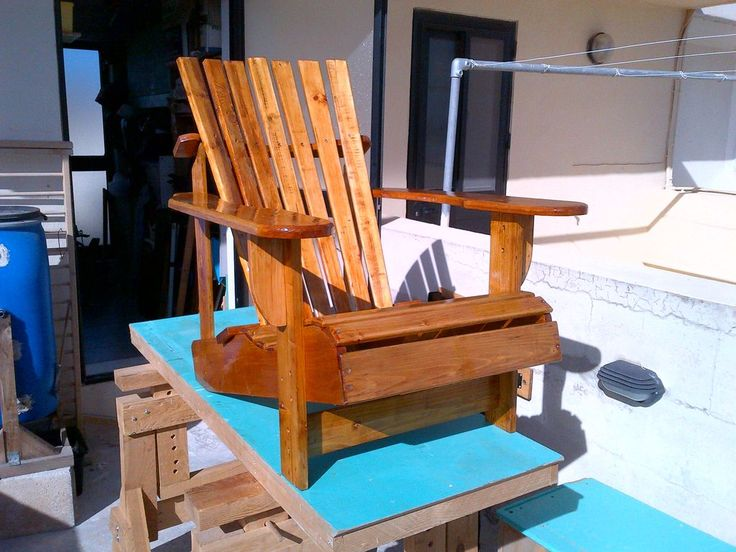 Pallet adirondack chair chairs pictures of and pallets for Pallet armchair