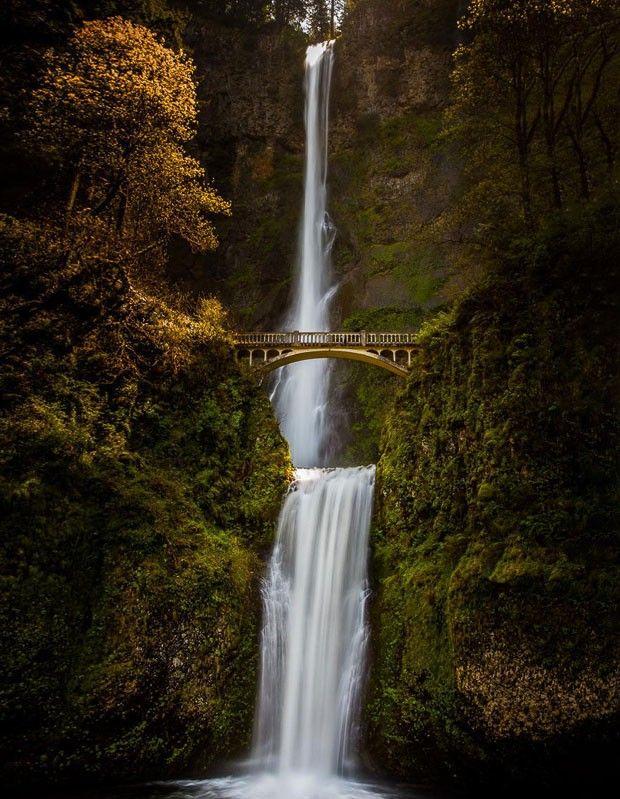 A construção é o mirante perfeito para assistir a natureza de Mulnomah Falls, nos Estados Unidos
