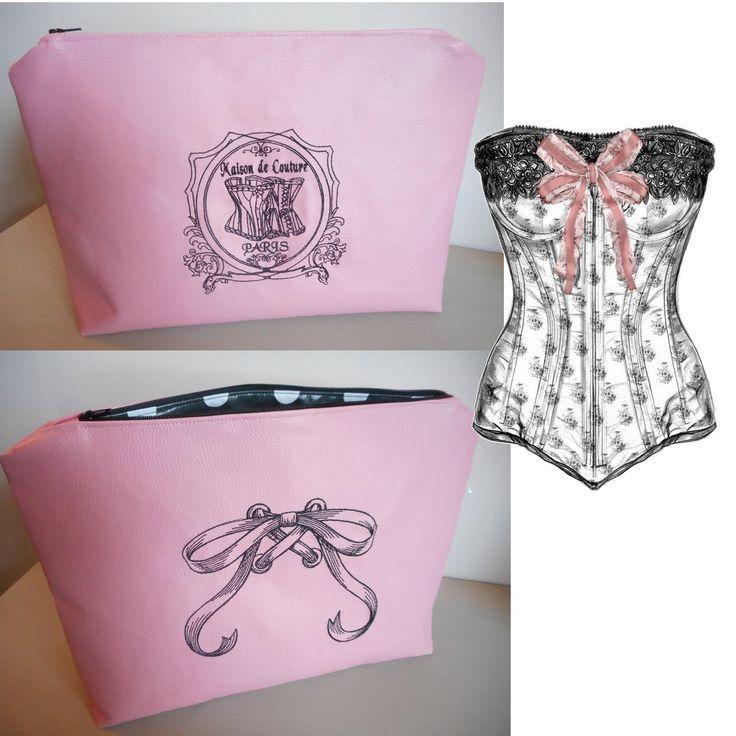 """Grande trousse de toilette 35X25 cm """"Maison de couture"""" corset, noeud, rose…"""