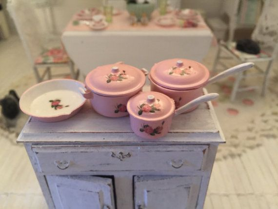 Free Shipping to the US  Shabby chic dollhouse by MiniBargains