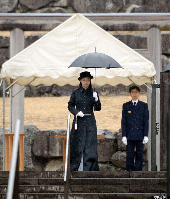 佳子さま、成人の報告で武蔵陵墓地を参拝【画像集】