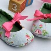 Baby Reversible Mary Janes - via @Craftsy