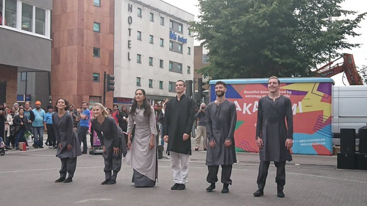 Covering #Paradiso @Akademi for  @BellSquareLDN.  Fusion of contemporary and traditional Indian dance. #BellSquare http://trendfem.com/2017/07/paradiso-akademi-at-bell-square-london/ …