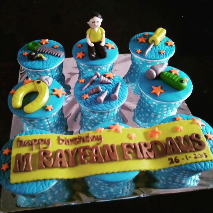 Tools cup cake.