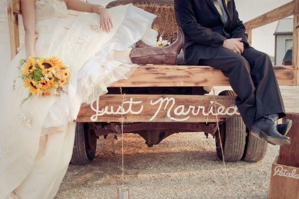 Country Wedding from rusticweddingchic.com