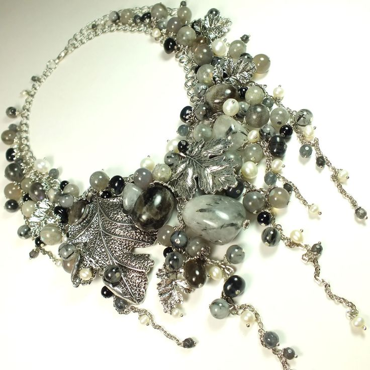 Купить Декабрьских Кружев Серебро. Колье из натуральных камней - серебряный, серебристый, серый, белый, дымчатый