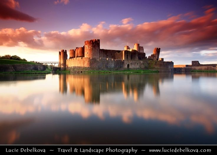 Uk wales south wales caerphilly castle castell for Sun castle
