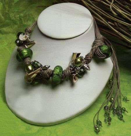 Gioielli fai da te: foto e schemi - Collana verde smeraldo
