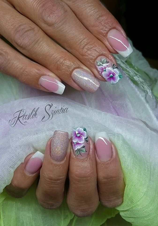 Flower&Holographic nails