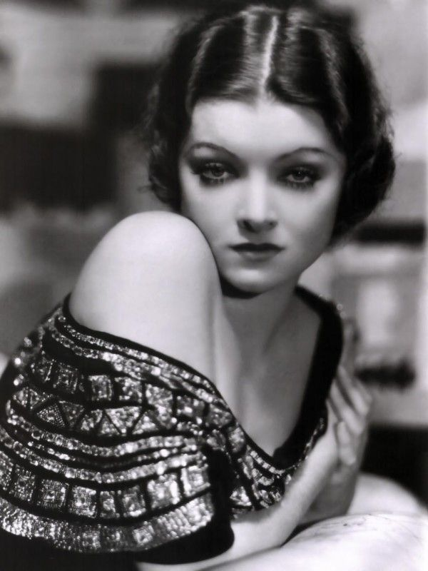 Estelle Getty, yes from Golden Girls, in her younger years. BEAUTIFUL!!