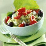 Il cous cous freddo agli aromi è un profumato piatto vegetariano, perfetto per le giornate più calde. Scopri la ricetta di Sale