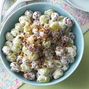 Creamy Grape Salad Recipe | Taste of Home Recipes Ingredients: 1 package (8 ounces) Philadelphia® Cream Cheese, softened 1 cup (8 ounces) sour cream 1/3 cup sugar 2 teaspoons vanilla extract 2 pounds seedless red grapes 2 pounds seedless green grapes 3 tablespoons brown sugar 3 tablespoons chopped pecans