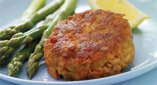 OLD BAY Classic Salmon Cakes: Salmon cakes are quick and easy to make with OLD BAY Salmon Classic Cake Mix. Enjoy great taste plus the health benefits of eating salmon.