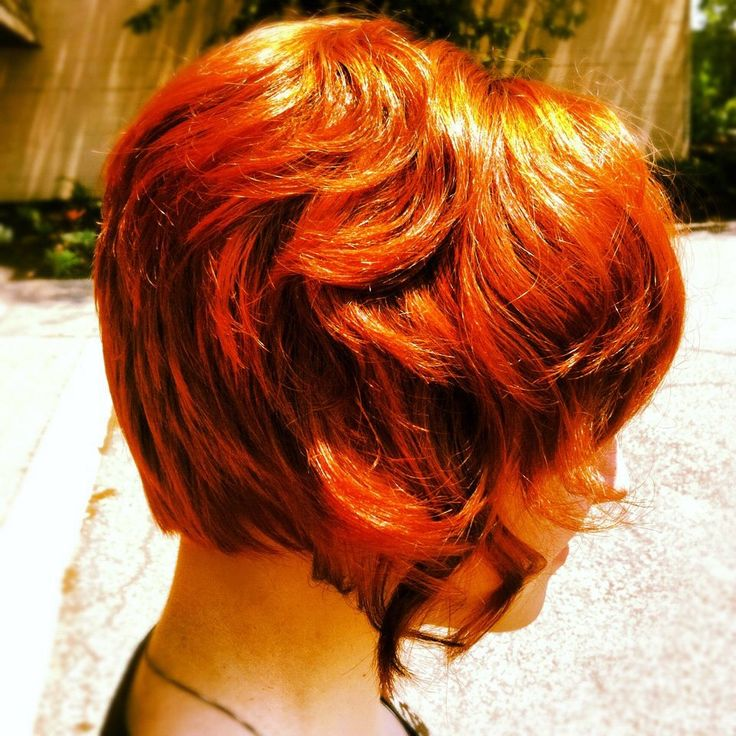 Short red hairstyle by Liz Abrams of Invidia Salon
