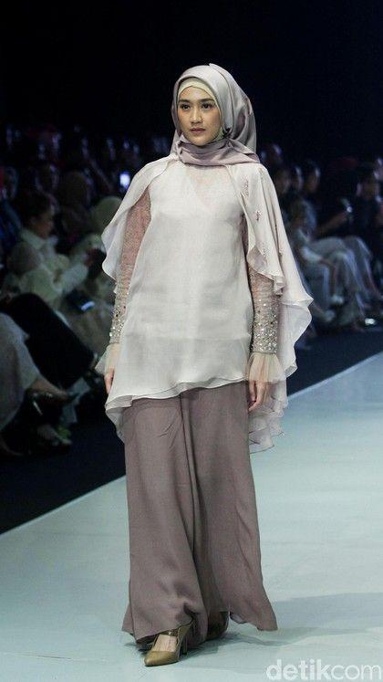 Foto 12 Koleksi Busana Muslim Terbaru Ria Miranda Terinspirasi