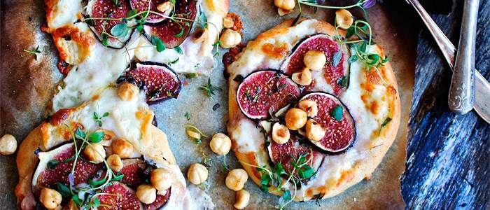 Minipizzor med taleggio, fikon och tryffelhonung  - recept från Lantmännen
