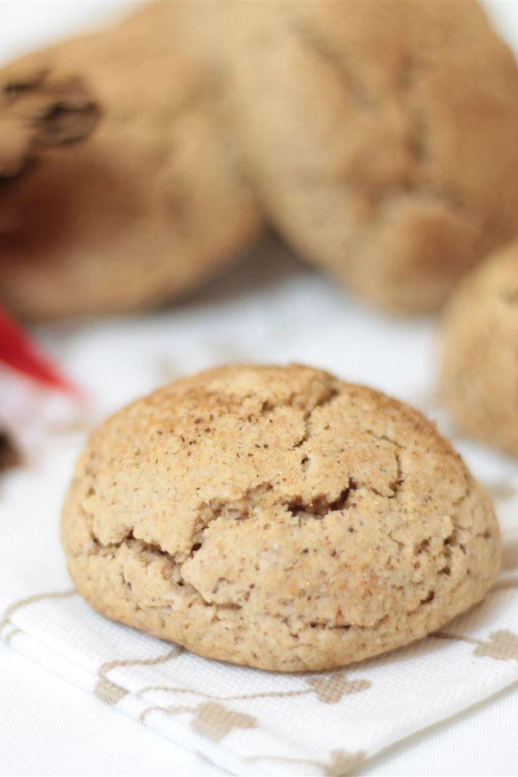 I biscotti alla cannella sono dei morbidi biscotti aromatizzati alla cannella da poter realizzare in pochi minuti. Si conservano facilmente in una scatola di latta e potete serviti per accompagnare una tazza di tè caldo, durante una dolce paura! I biscotti alla cannella sono ideali da preparare anche per le feste Natalizie.