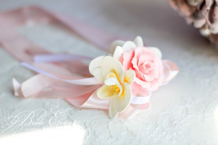 Украшения на руку для подружек невесты из цветов ручной работы. Свадебные аксессуары ручной работы. Аксессуары на свадьбу. Набор свадебных аксессуаров HandMade.