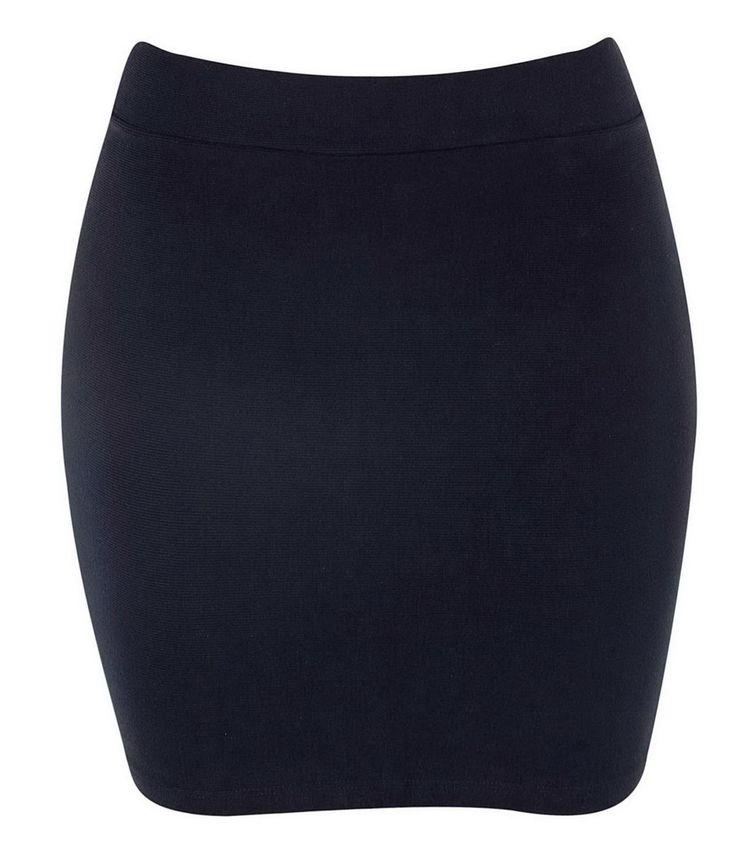 Saia feminina  Modelo cintura alta  Com recortes  Marca: Just Be  Tecido: Helanca  Modelo veste tamanho: P      Veja outras opções de    saias femininas.