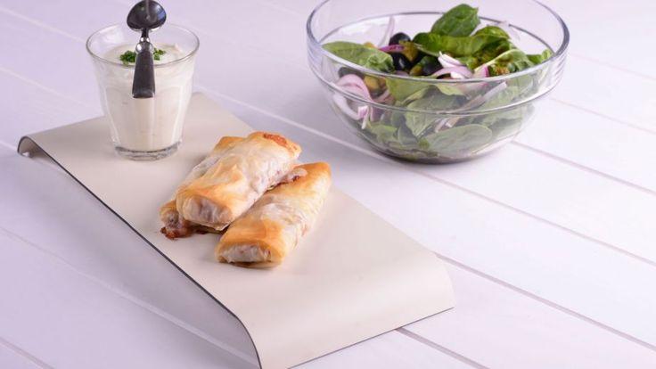 Crujientes de filo y pastrami con crema ácida - Gonzalo D'Ambrosio - Receta - Canal Cocina