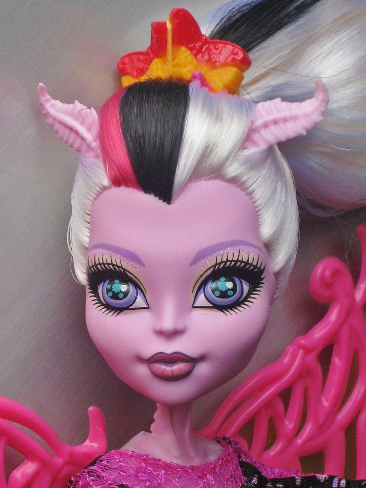 Кукла монстер хай бонита фемур фото
