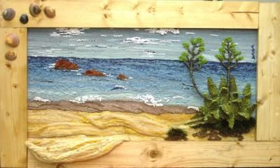 María Coca.Playa en Conil tapiz lanas teñidas manualmente,conchas marinas tapiz de alto lizo