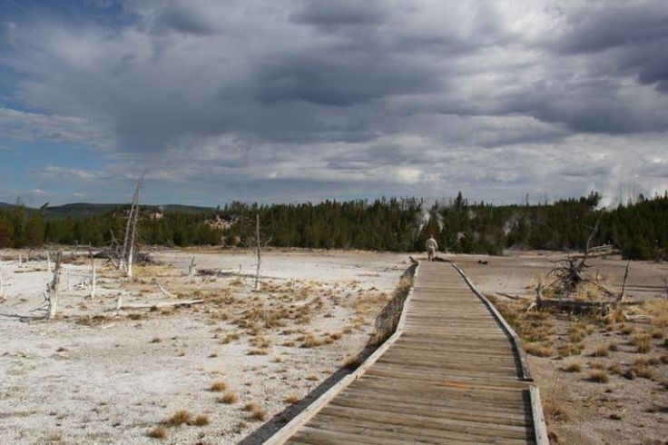 USGS: Volcano Hazards Program - Yellowstone Image Gallery