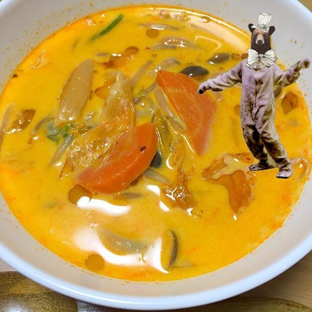 豆乳で辛さがまろやかになるのでうちは子供でも食べてます(^ω^) あったまるー♡ 何年も前にクックパッドで見てそれからうちの定番スープになっています - 21件のもぐもぐ - ピリ辛キムチ豆乳スープ(^ω^) by mikasoa